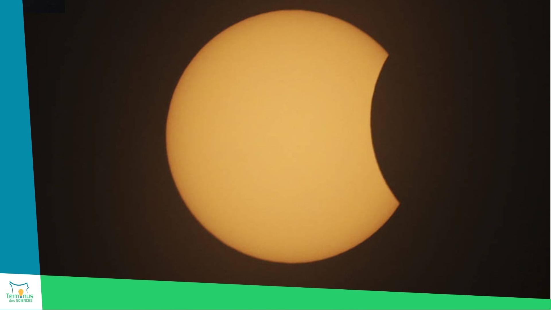 Read more about the article [Eclipse solaire observable dans le Cotentin jeudi 10/06 midi]